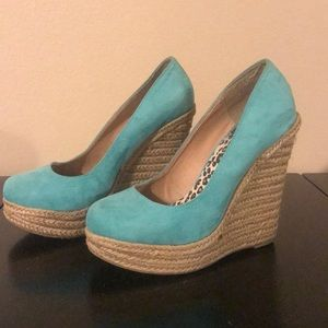 Almost new mint green cute wedges!